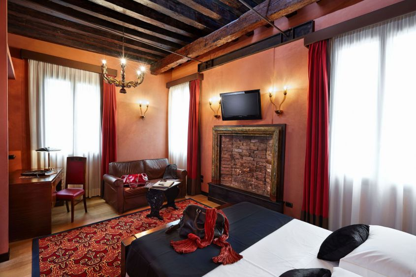Hotel Saturnia & International Venice - Rooms - Hotel Saturnia ...
